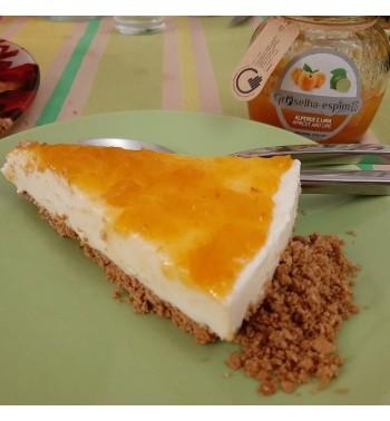 Cheesecake com Doce de Alperce e Lima